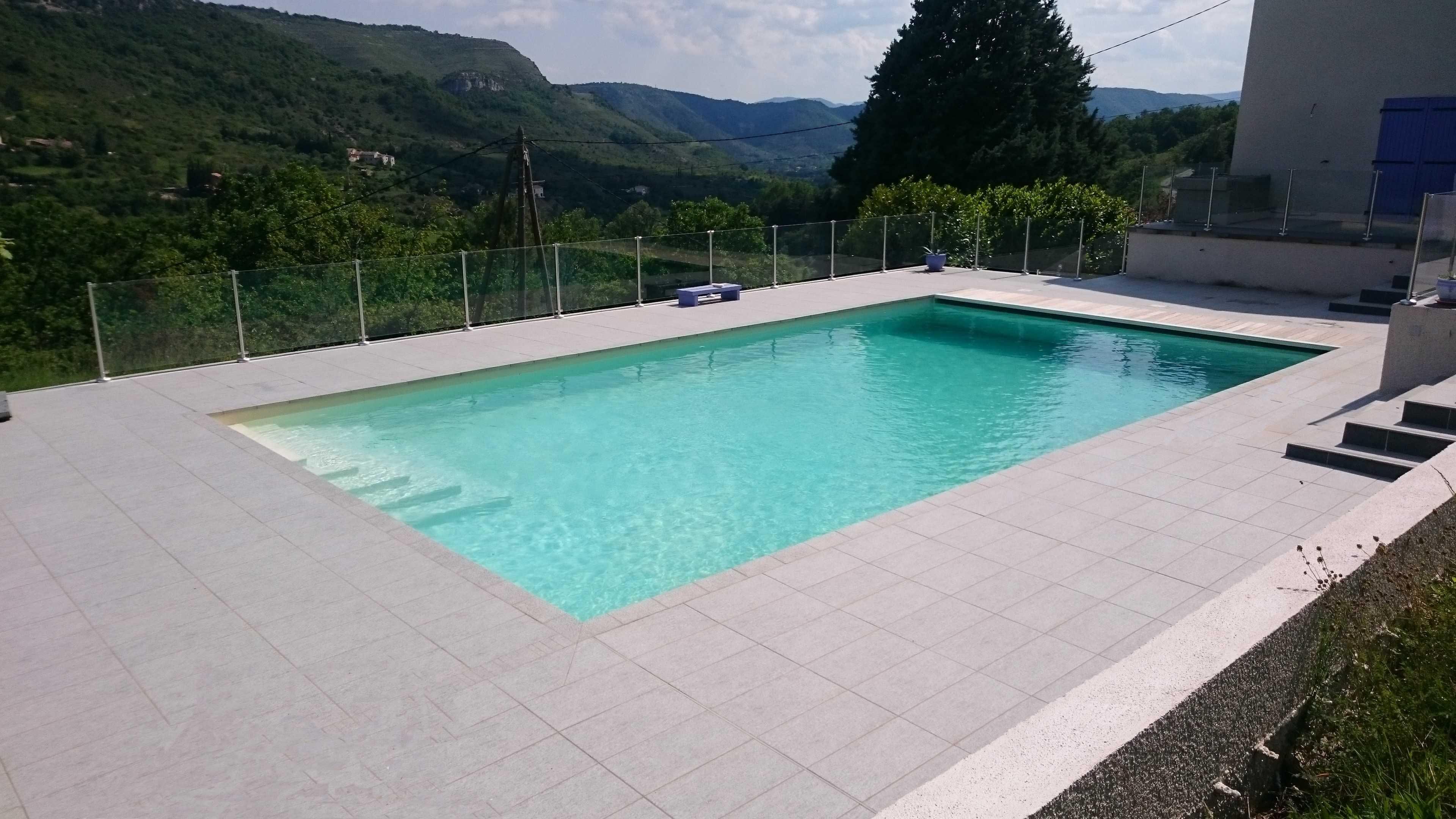 Constructeur de piscine constructeur de piscine en b ton for Constructeur de piscine